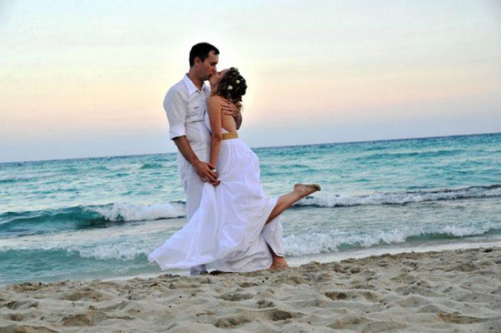 Американцы предпочитают свадьбы на пляже