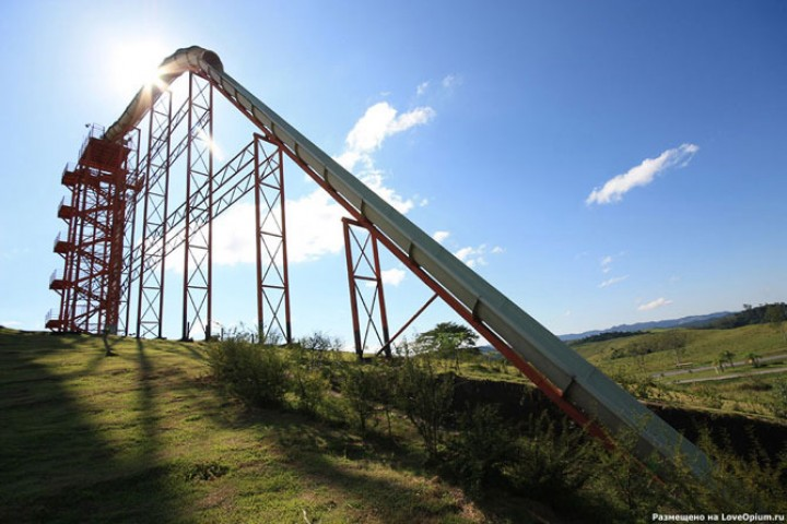 Близится к концу сооружение самой грандиозной в мире горки