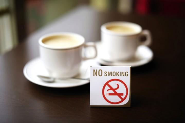 В Люксембурге запрет на курение в кафе