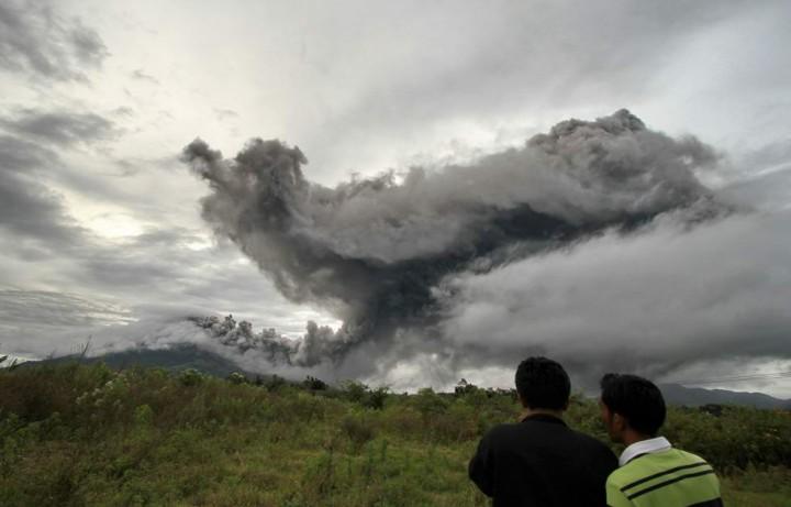 Власти Индонезии запретили въезд на остров Суматра