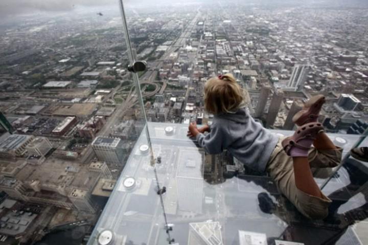 Закрыт аттракцион на небоскребе в США