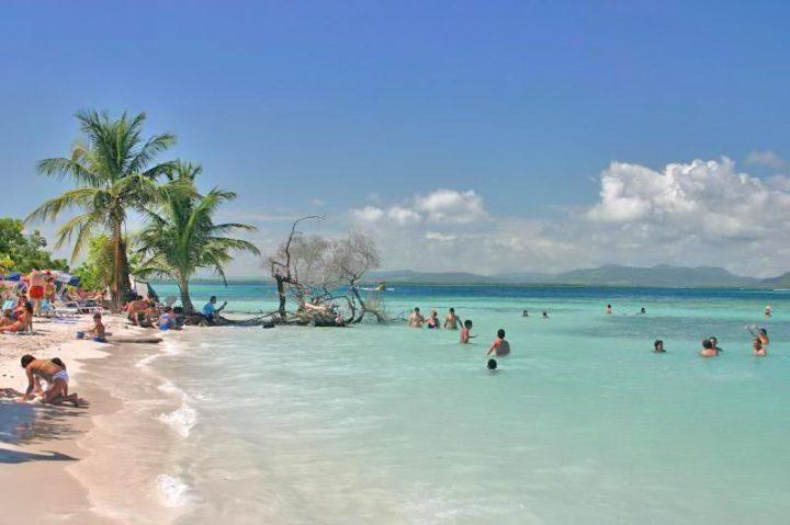 В Венесуэле вводится обязательный туристический страховой полис