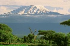 Туристы разрушают Килиманджаро