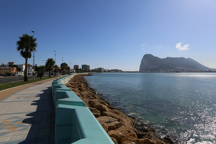 Великобритания открыла Гибралтар для имеющих шенгенские визы