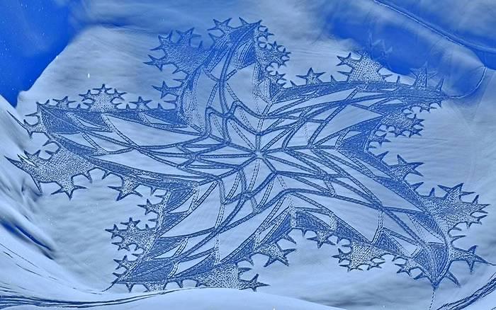 Снежные картины на склонах гор